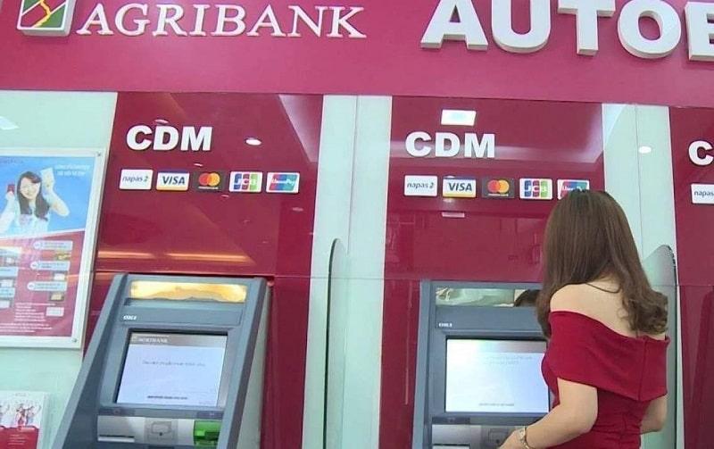 Bạn có thể tra cứu STK tại ATM
