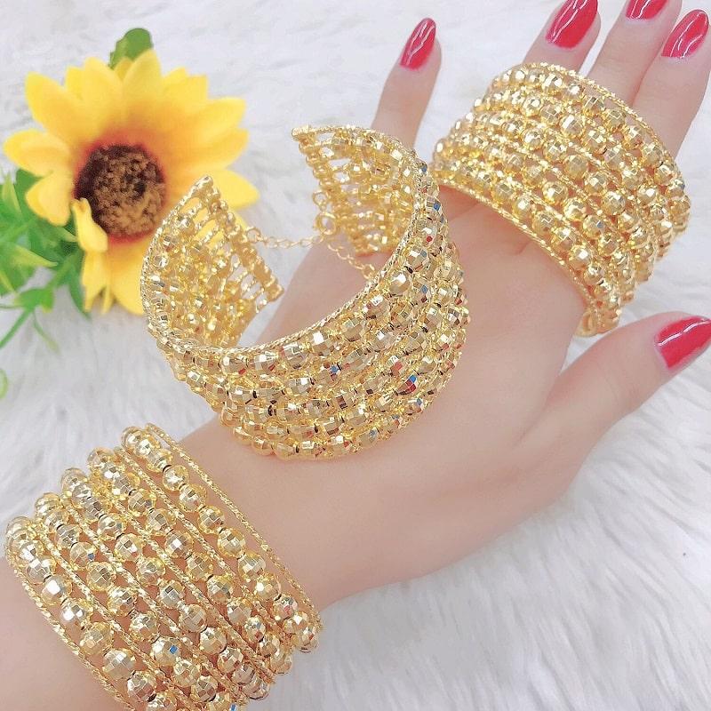 Vàng non thường dùng để ché tạo trang sức